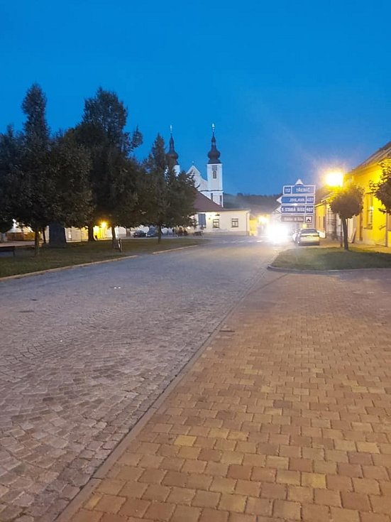 Tradiční i méně tradiční pohledy na městys Nová Říše na Telčsku.