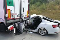 Srážka dvou vozidel na 114,5. kilometru ve směru na Brno, uzavřela dálnici D1.
