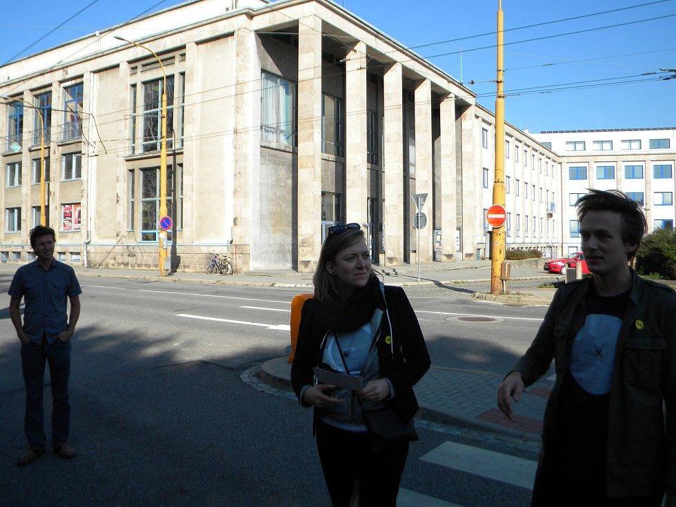 Marie a Jan Kordovští, vnoučata architektky, která navrhla jihlavský dům kultury DKO.