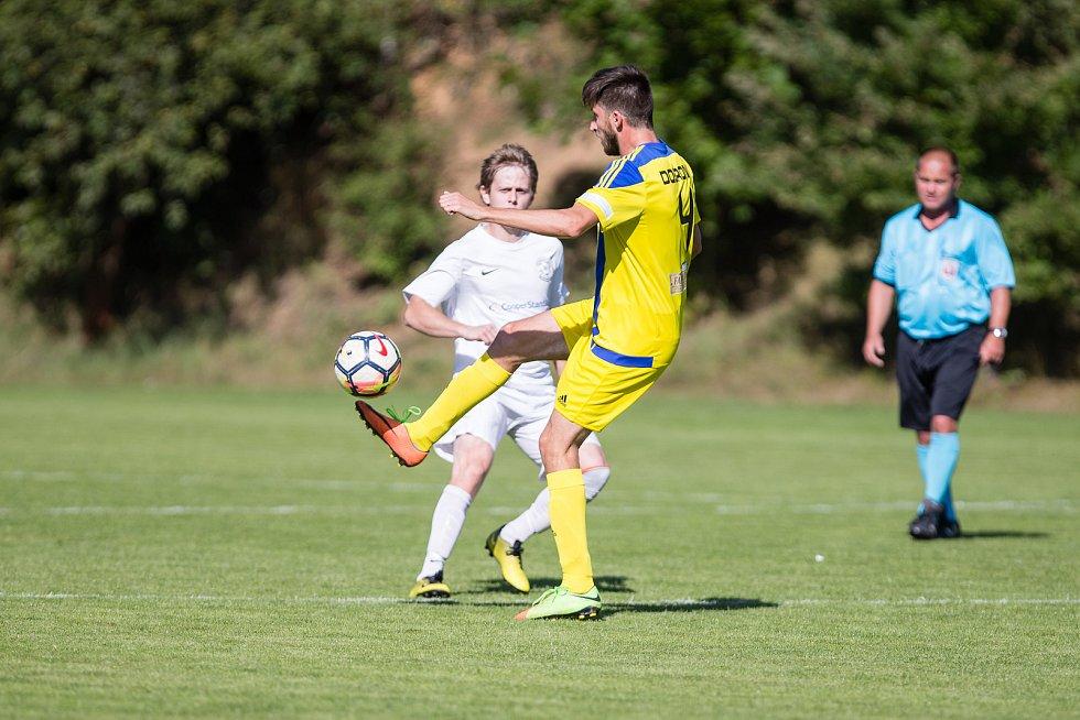 Fotbalové utkání mezi TJ Jiskra Dobronín FC Žďás Žďár nad Sázavou B.