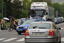 Ačkoliv odpoledne kolem třetí hodiny bývá na Jiráskově ulici pořádně rušno, k nehodám dochází minimálně. Jihlava je druhým nejbezpečnějším krajským městem v Česku.
