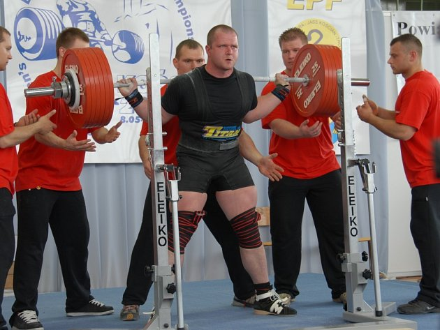 Jihlavský silový trojbojař Tomáš Šárik.
