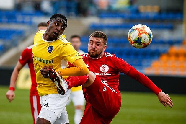 Fotbalové utkání mezi FC Vysočina Jihlava a FK Třinec.