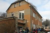 Jiří Simon bydlel v Jihlavě v domě ve Ztracené ulici (na snímku). V těsném sousedství stavby od minulého roku pulzuje život v obchodně–zábavním centru City Park.