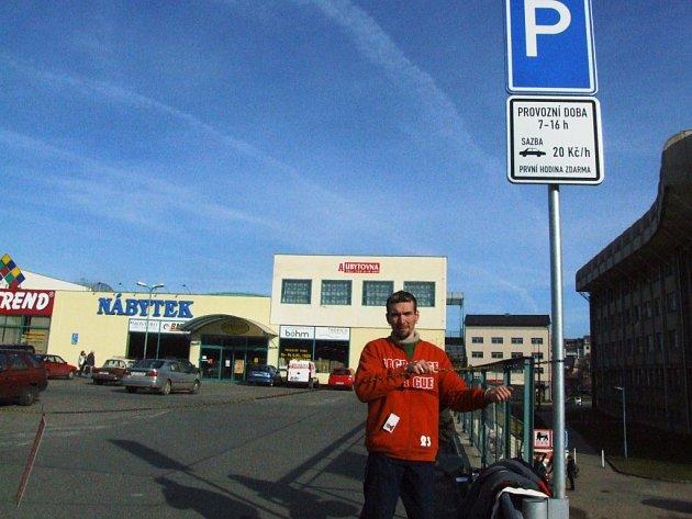 Vladislav David je mužem, který začal u Delvity vybírat parkovné.
