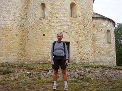 Přesně šest dní potřeboval nedvědický učitel Petr Vejrosta k překonání 237 kilomtrů, které dělí Nedvědici od české hory Říp.