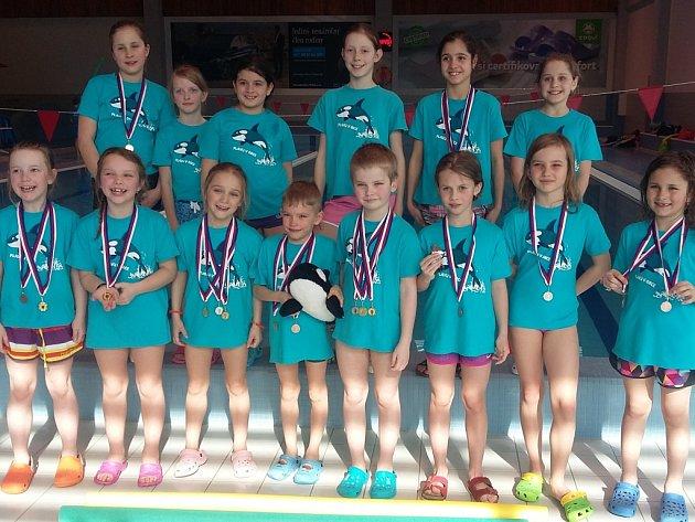 Úspěšní plavci. Děti z jihlavského Aqua clubu Orca se zúčastnily plaveckých závodů. A vedly si přímo skvěle.