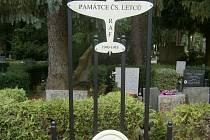 Martin Herzán nechal udělat pomník letcům RAF v Jihlavě.
