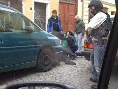 Zatčení v přímém přenosu bylo k vidění v jihlavské Čajkovského ulici.