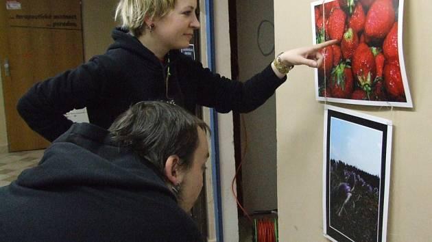 Výstava fotografií The Mišmaš ve Vrakbaru.