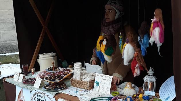 Na jarmarku byly k dostání nejrůznější rukodělné výrobky.