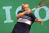 Leoš Friedl musel loni Wimbledon vynechat. Na vině byly jeho problémy s plotýnkami. Letos bude vděčný za každé vítězství.