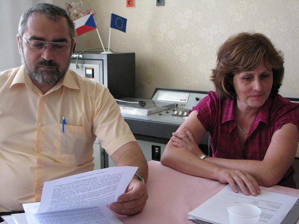 Správce Jaromír Váňa s místostarostkou