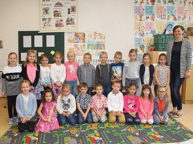 Na fotografii jsou žáci 1.B. ze Základní školy T. G. Masaryka vJihlavě pod vedením třídní učitelky Markéty Pfeiferové.  Příště představíme prvňáky ze Základní školy ScioŠkola vJihlavě.