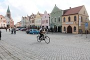 Majitelé veteránů se sjeli na Náměstí Zachariáše z Hradce do Telče.