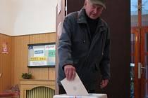 Své volební právo využil i Karel Zkoumal  z Jihlavy