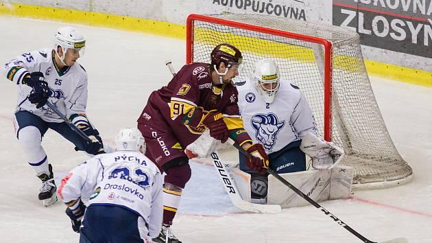 Hokejisté Dukly v prosinci Kolín porazili 6:0.
