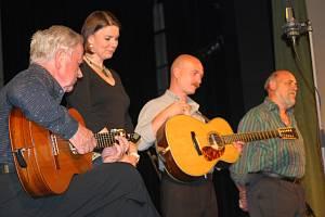 Spirituál kvintet, jedna z prvních tuzemských folkových kapel, hraje už od roku 1960.