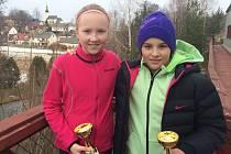 Zleva vítězka Mlýnhotel cupu Karolína Hrůzová z HTK Třebíč a stříbrná Vanessa Dobiášová z TK Sparta Praha.