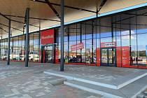Modernizovaná prodejna bude v nové nákupní zóně v Pelhřimovské ulici.