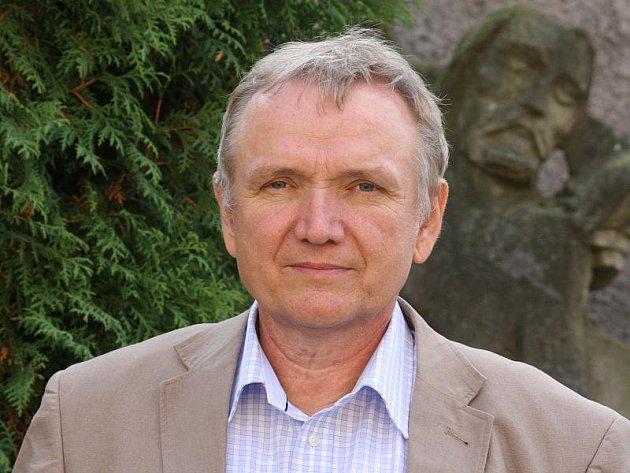 Jiří Klusáček příjíždí z Prahy do Přibyslavi, Polné, Hrbova a Jihlavy, kde žilo nejméně dvanáct generací rodu Klusáčků,