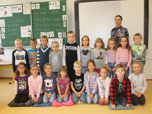 Na fotografii jsou žáci 1.A. ze Základní školy T. G. Masaryka vJihlavě pod vedením třídní učitelky Romany Kovářové. Příště představíme prvňáky ze Základní školy ScioŠkola vJihlavě.