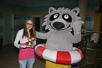 Vítězka. Loňskou vítězkou soutěže Vánoce s mývalem se stala patnáctiletá Eliška Kloudová.