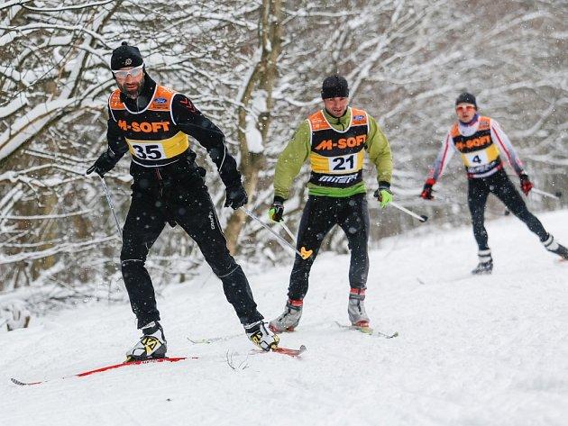 Zima přeje. Sněhové podmínky jsou parádní, takže po závodech v Jihlavě a kolem Javořice se jelo ve Studené. Padesátý ročník závodu nalákal takřka devadesát startujících.