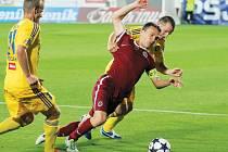 David Lafata opět prokázal své kvality, když v přípravě počastoval Vysočinu dvěma góly.