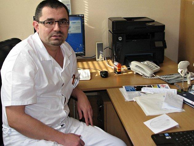 Primář novoměstské ortopedie Jaroslav Pilný.