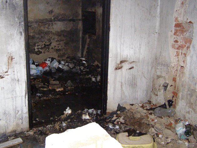Požár starého strážního domku na jihlavském nádraží.