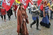 Vrcholem telčských slavností bude sobotní průvod historických postav náměstím Zachariáše z Hradce.