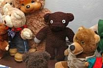 Z expozice plyšových medvědů v jihlavském Muzeu Vysočiny