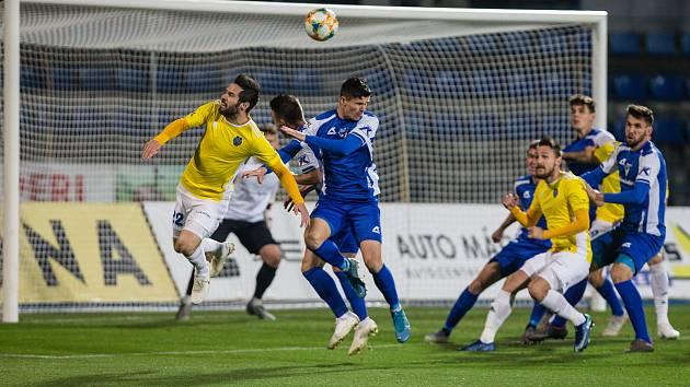 Momentka z loňského utkání mezi FC Vysočina Jihlava a FC Sellier & Bellot Vlašim.