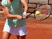 Východočeským tenisovým nadějím předával ceny na slavnostním vyhlášení ankety Kanáří naděje legendární tenista Jan Kodeš.