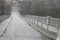 Starý Brněnský most si bude muset na opravu za čtyřicet milionů ještě počkat.