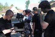 V Panském dvoře v Telči byl představen nový film Bajkeři, který půjde na podzim do kina. Na novém bikerském hřišti byly natočeny úvodní scény letní komedie.