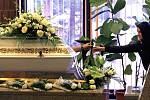 Poslední rozloučení se zavražděnou Petrou v obřadní síni jihlavského krematoria.