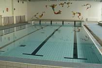 Bazén v ZŠ Demlova.