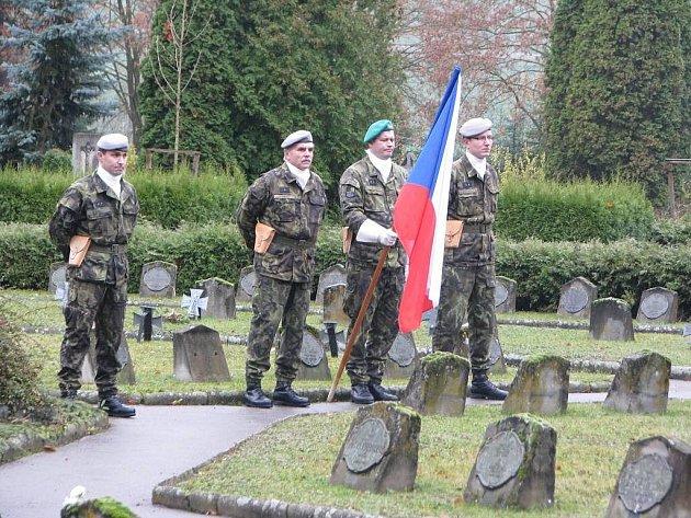 Ve středu ku příležitosti Dne válečných veteránů pořádalo Krajské vojenské zastupitelství Jihlava pietní akt.