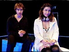 Věčné téma. Hra o Manon se na divadelních prknech zřejmě nikdy neomrzí. Dostala už značné množství podob.