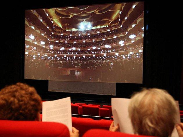 Přenos z Metropolitní opery v New Yorku. Ilustrační foto.