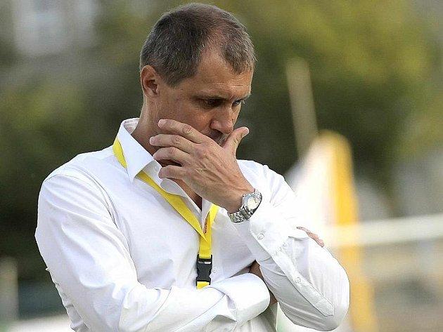 Jihlavští fotbalisté nezvládli úvodní zápas sezony. Trenér Vysočiny Roman Pivarník (na snímku) byl z výkonu svých svěřenců hodně zklamaný.