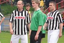 Před dvěma lety se v pruhovaném dresu Žďáru potkali spoluhráči z Bystřice Martin Horák (vlevo) a Milan Trojanovič (vpravo). Prvně jmenovaný zřejmě do divizního týmu opět zamíří na hostování. Trojanovič naopak Žďár opouští.
