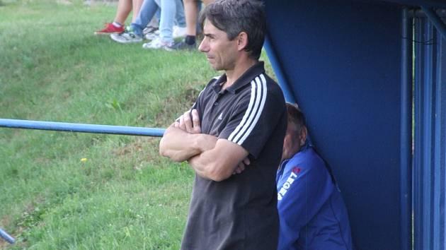 Trenéra Černíče Frantika Distela mrzí, že se jarní část neodehraje. I když byl jeho tým namočený do sestupových vod.