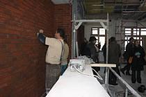 Ve středu se v budově právě rekonstruované jihlavské umělecké školy konal kontrolní den. Toho se zúčastnili i učitelé, kteří si představovali, jak se jim bude v nových učebnách vyučovat. Škola bude mít i nové výtvarné prostory (na snímku).