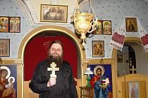 Farář Jan Baudiš se rok co rok chystá na vánoční liturgie v kapli na Masarykově náměstí v Jihlavě.