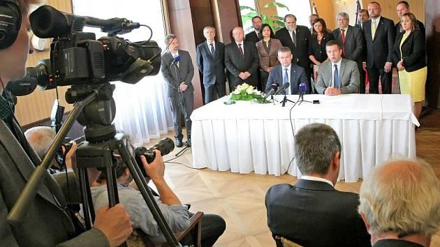 V Třešti zasedali čeští poslanci a členové slovenské Národní rady.