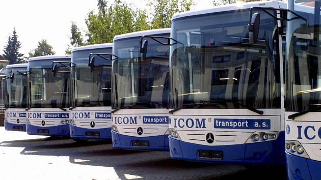Sedm nových krasavců, v barvách společnosti ICOM Transport, bude brázdit české silnice.