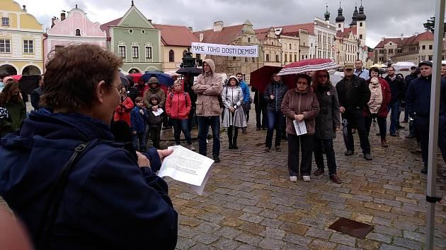 Květnové demonstrace na náměstí Zachariáše z Hradce v Telči.